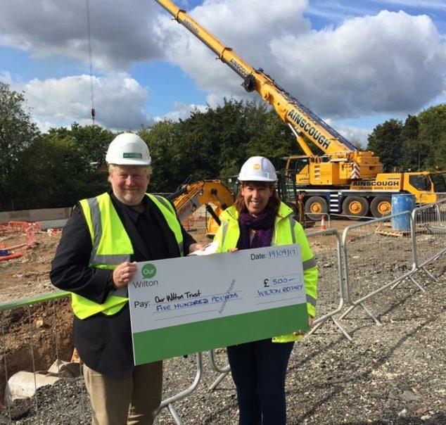 Wilton Rotary donate £500 to Our Wilton Trust
